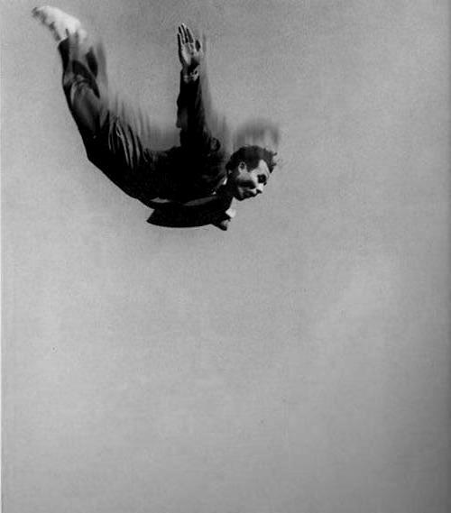 Salto desde lo alto del Pompidou